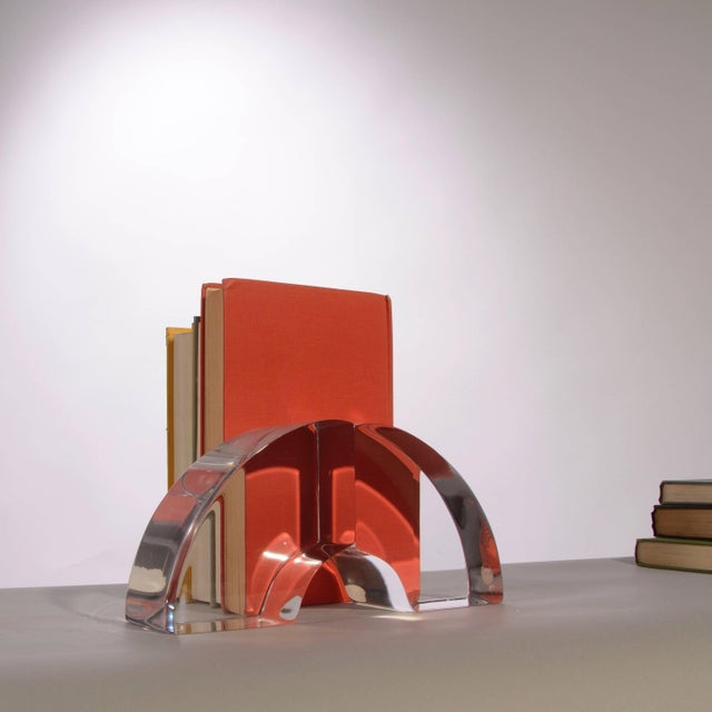 Ritts Co. Vintage Modern Astrolite Products Lucite Arched Bookends For Sale - Image 4 of 9