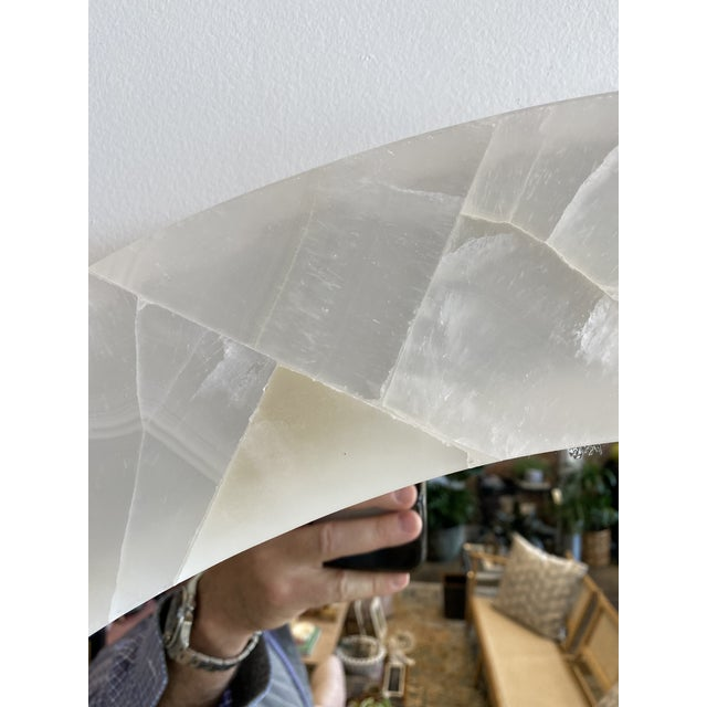 Natural Onyx Round Mirror For Sale In Los Angeles - Image 6 of 7