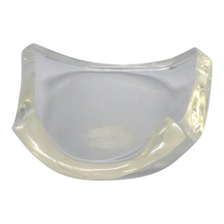 Heavy Bodied Biomorphic Lucite Bowl For Sale