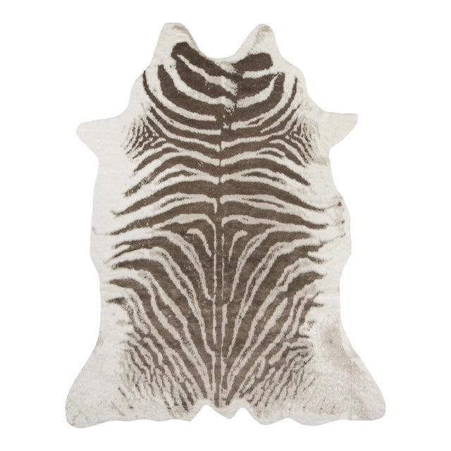 "Erin Gates by Momeni Acadia Zebra Grey Faux Hide Area Rug - 5'3"" X 7'10"" For Sale"