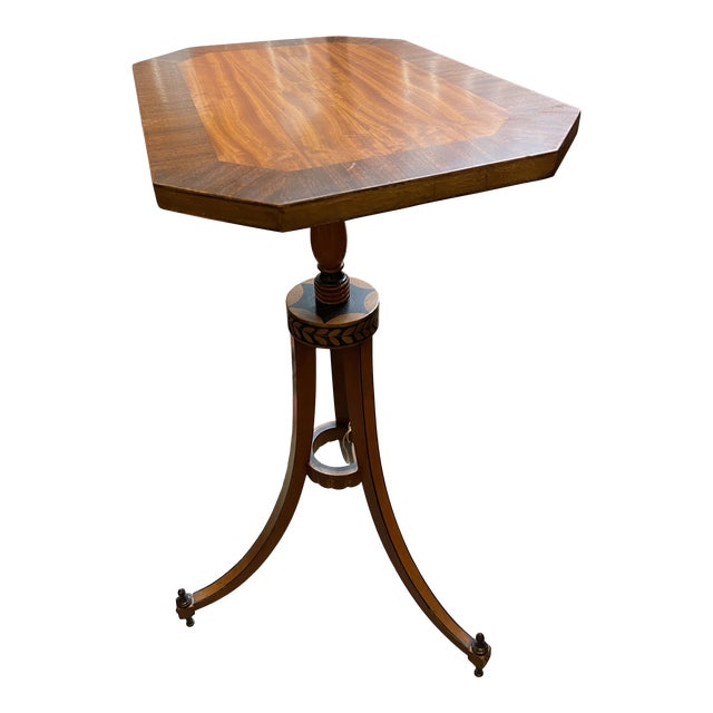 19th Century Federal Style Candlestand Table For Sale