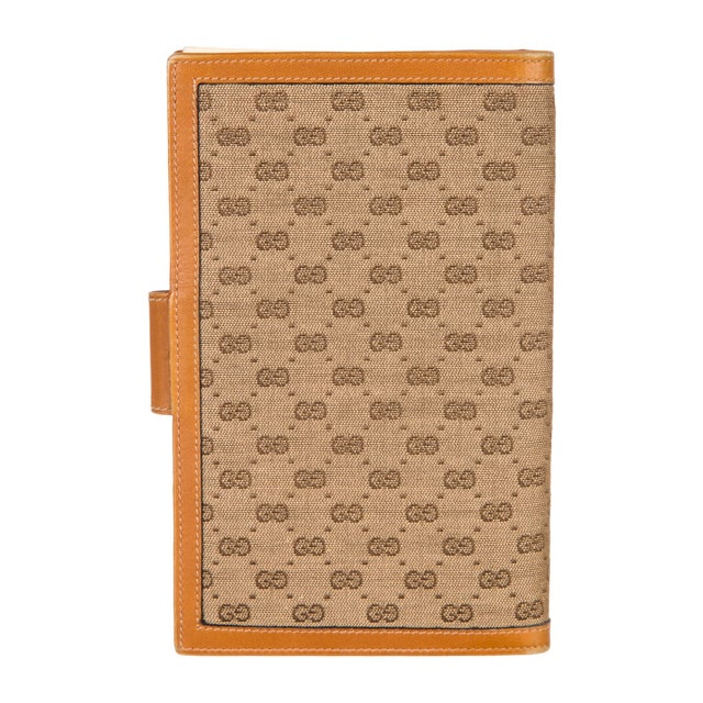 Hollywood Regency 1970s Vintage Gucci Logo Print Agenda Cover With Original Gucci Stationary Notepad For Sale - Image 3 of 5