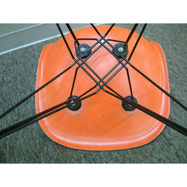 """Pair of Charles and Ray Eames Orange Dsr Fiberglass """"Eiffel Tower"""" Side Chairs For Sale In Richmond - Image 6 of 8"""