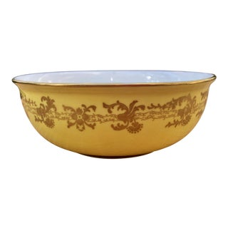 English Rococo Porcelain Bowl in Canary Yellow and Gold For Sale