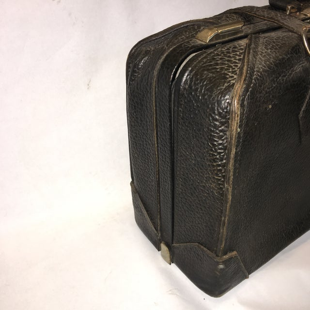 Vintage Carson Quality Seal Skin Suitcase For Sale - Image 4 of 11