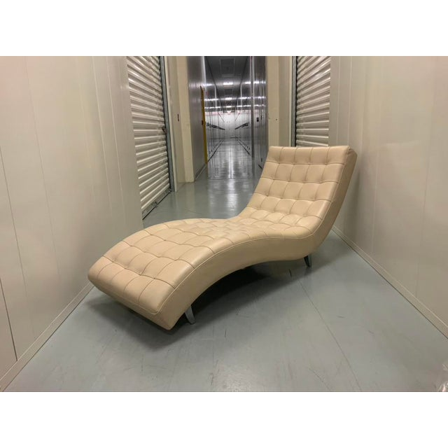 Roche Bobois Dolce Tufted Ivory Leather Chaise Lounge For Sale - Image 10 of 11