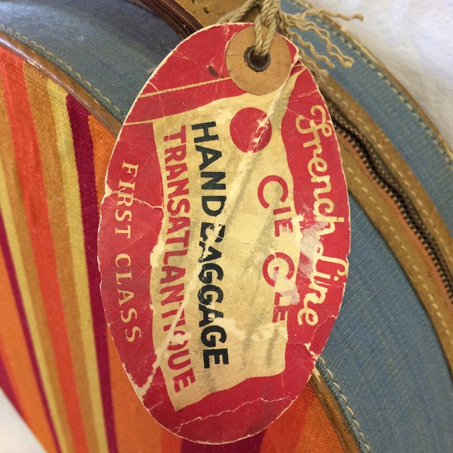 1950s Vintage Round Carry on Suitcase With Stripes and French Train Label For Sale - Image 5 of 11