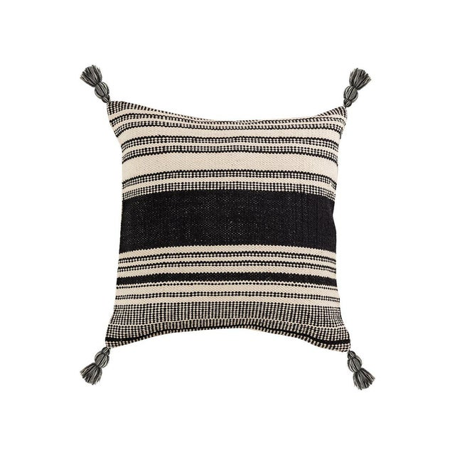Kennith Ludwig Chicago Farm House Woven Pillow For Sale In Chicago - Image 6 of 6