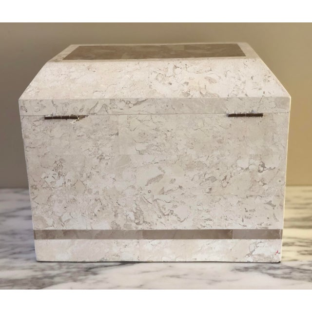 Art Deco 1980s Art Deco Maitland-Smith Tessellated White Stone Large Storage Box For Sale - Image 3 of 8