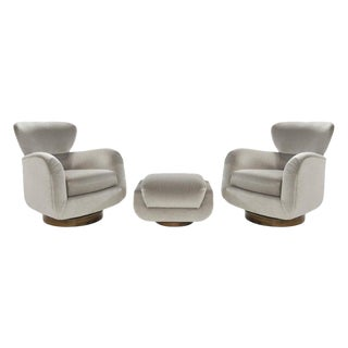 Exceptional Set of Wingback Swivel Chairs on Rosewood by Vladimir Kagan For Sale