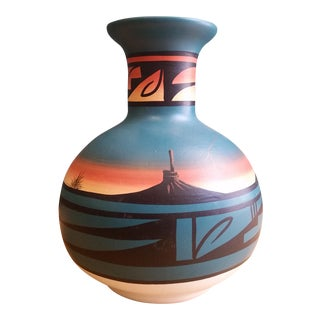 Native American Mitten Mountains Dineh Pottery Vase For Sale