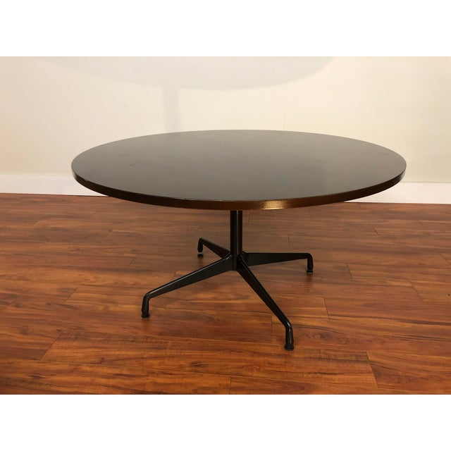 Brown Ray and Charles Eames Circular Mahogany Dining Table by Herman Miller For Sale - Image 8 of 9