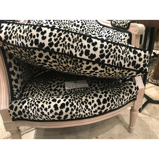 1970s Vintage French Bergere Leopard Print Chair For Sale In Detroit - Image 6 of 7