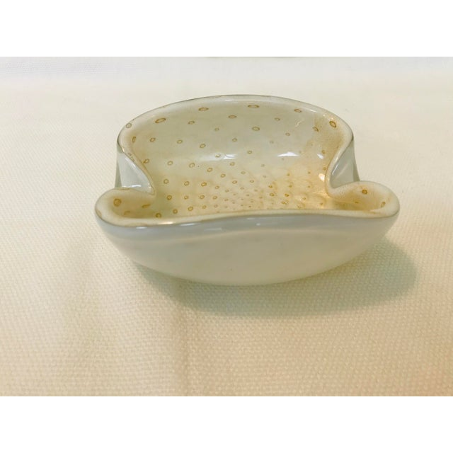1960s Murano Art Glass Gold & White Trinket Dish / Ashtray For Sale - Image 5 of 7
