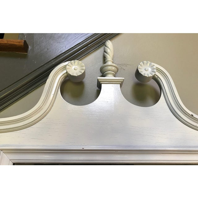 Neoclassical White Mirror For Sale In Atlanta - Image 6 of 6