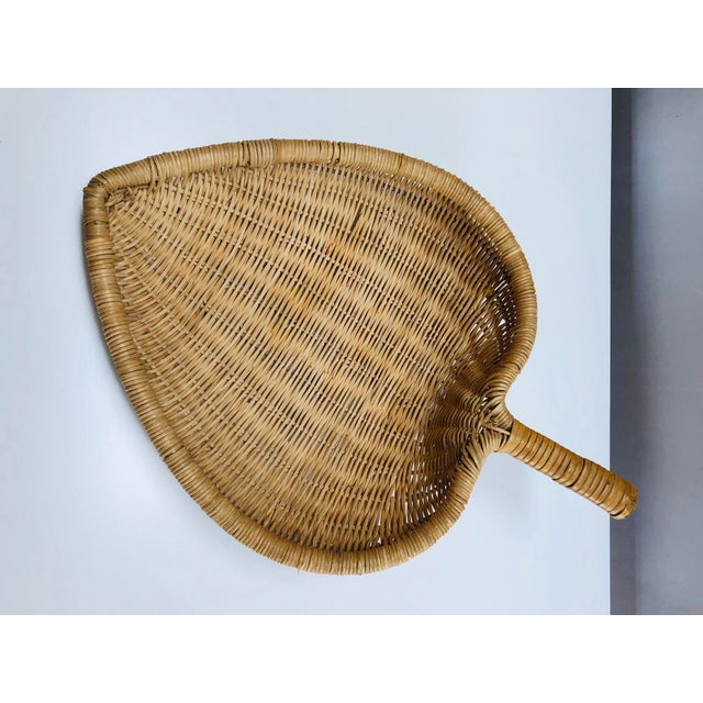 Boho Chic 1960s Boho Chic Wicker Basket With Handle For Sale - Image 3 of 11