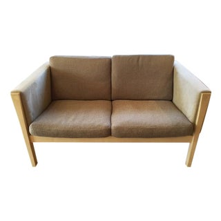 Carl Hansen Hans Wegner Ch162 Sofa For Sale