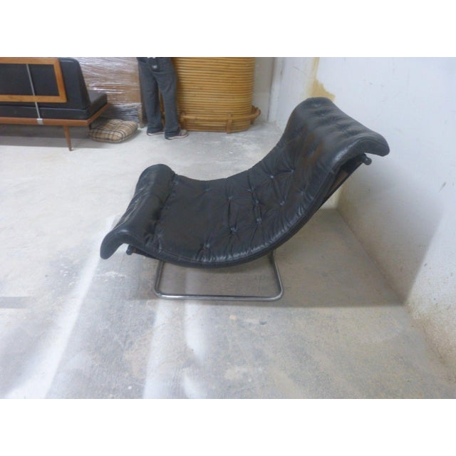 Italian Stylish Quality 60's Architectural Aluminum and Leather Scoop Chair For Sale - Image 3 of 7