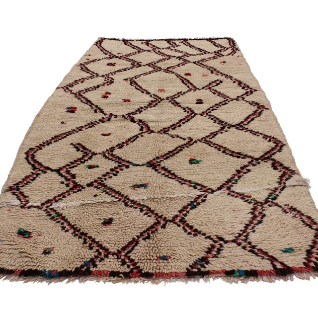 """Abstract Vintage Berber Moroccan Rug With Boho Chic Style - 3'1"""" X 4'8"""" For Sale - Image 3 of 4"""