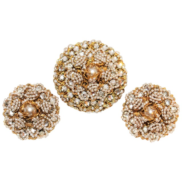 1968 William deLillo Faux-Pearl Brooch and Earrings For Sale