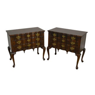 Henredon Pair Serpentine Mahogany 3 Drawer Queen Anne Chests For Sale