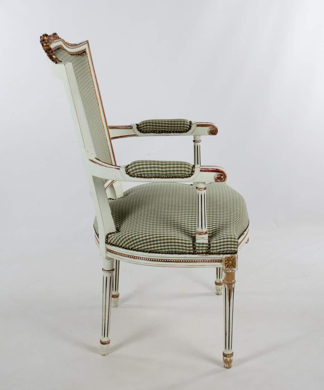 Delightful French Early 20th Century Vintage French Style White And Plaid Upholstered Dining  Chair For Sale