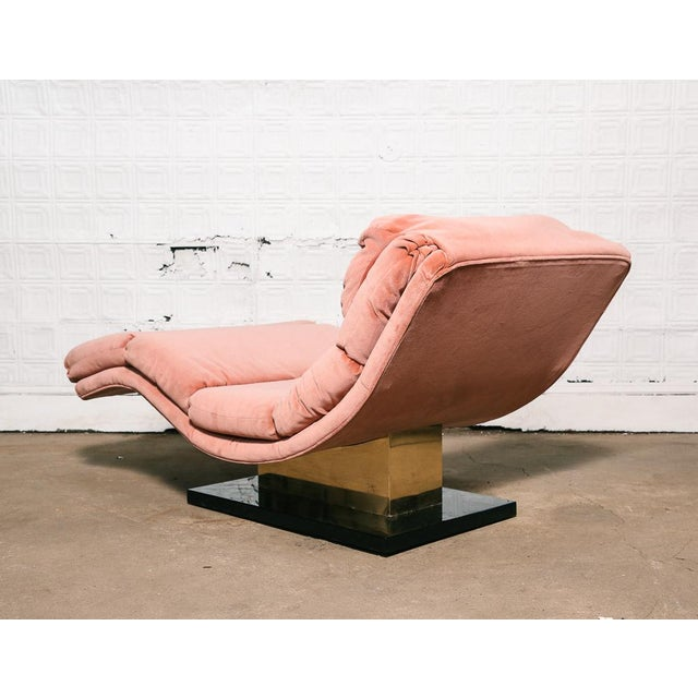 Pink Velvet and Brass Chaise Longue - Image 3 of 10