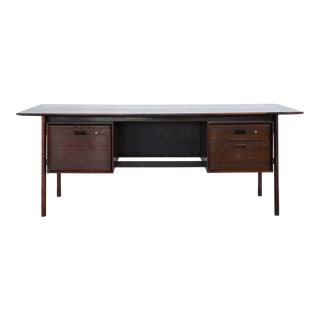 1960s Mid-Century Modern Rosewood Desk For Sale