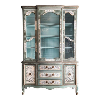 1980s Chinoiserie Inspired China Cabinet For Sale