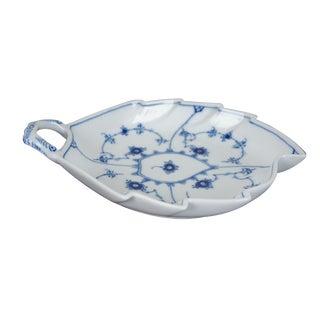 """Royal Copenhagen Denmark Blue Fluted Leaf Shaped Lace Serving Dish 1-444 Bowl 9"""" For Sale"""