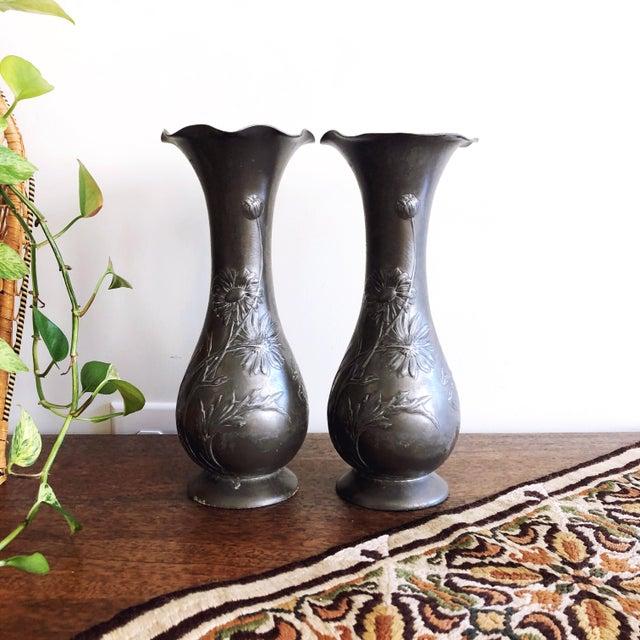 """Art Nouveau Antique Kayserzinn Art Nouveau Pewter Vases """"4077"""" - a Pair For Sale - Image 3 of 8"""