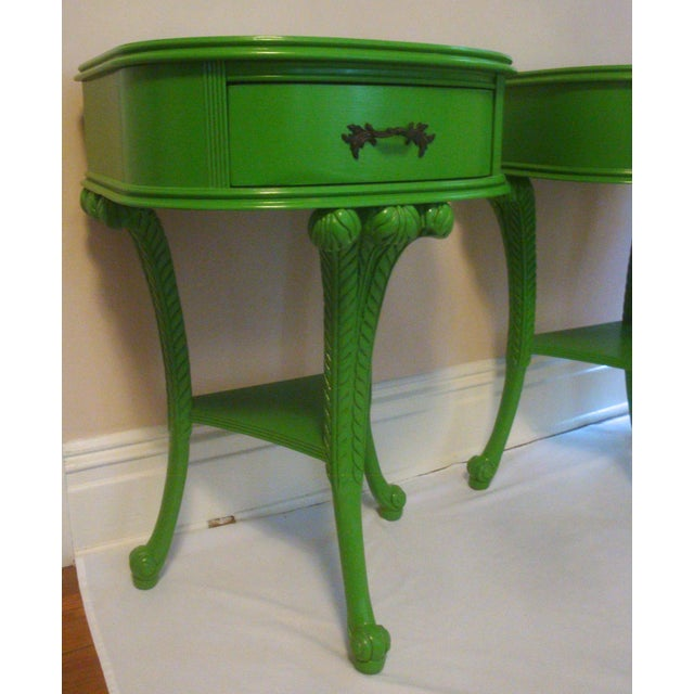 Early 20th Century Pair Feather Plume Nightstands Side Tables Prince of Wales For Sale - Image 5 of 11