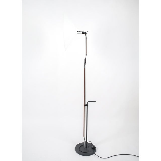 White Pair of Aggregato Floor Lamps by Enzo Mari, Circa 1970 For Sale - Image 8 of 10