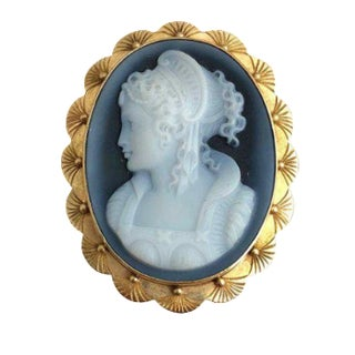 Signed Vintage 14k Gold Hard Stone Cameo Pin/ Pendant For Sale