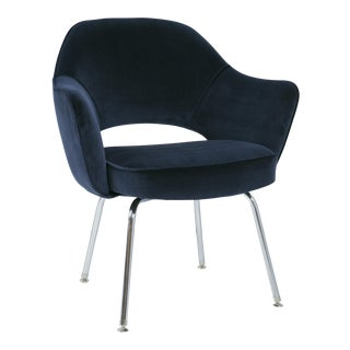Saarinen Executive Arm Chair in Navy Velvet For Sale