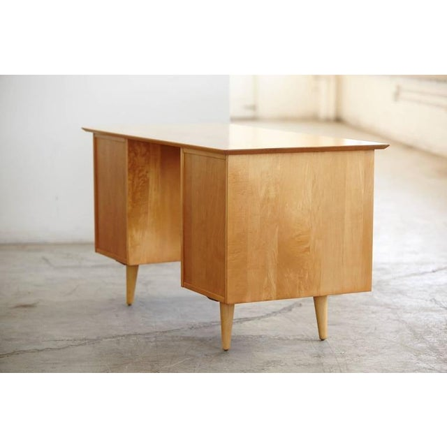 Winchendon Furniture Company 1950s Mid-Century Modern 5 Drawer Double Sided Writing Desk For Sale - Image 4 of 8