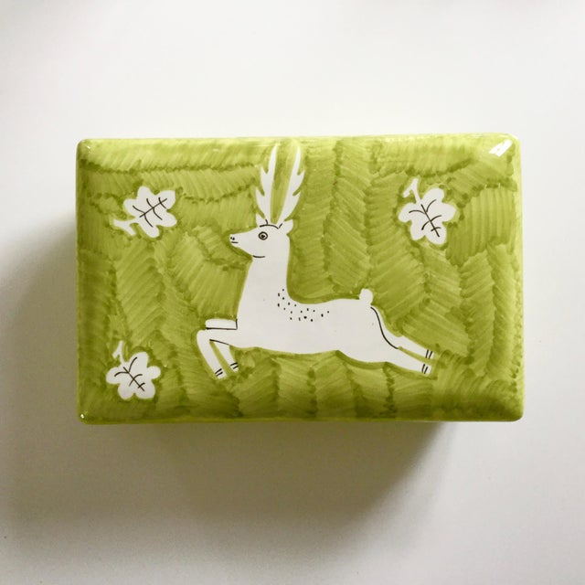 Arts & Crafts Italian Gamboni Cantagalli Style Majolica Leaping Stag Deer Motif Ceramic Lidded Box For Sale - Image 3 of 13