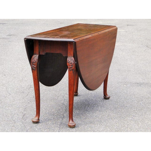 English Traditional Mid 18th Century Antique Queen Anne Mahogany Dining Table For Sale - Image 3 of 5