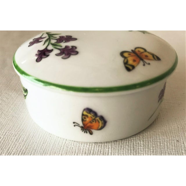 Tiffany & Co. Limoges Hand Painted Porcelain Trinket Box For Sale In West Palm - Image 6 of 9