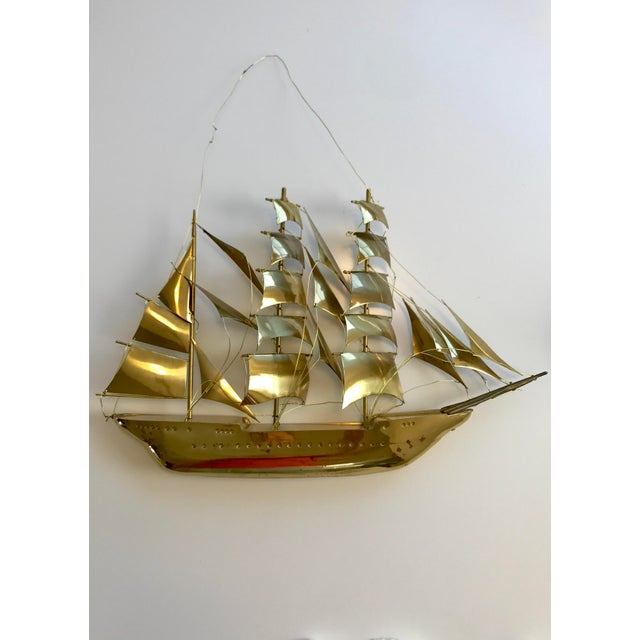 Stunning vintage brass ship, in great vintage condition. This piece would be amazing mounted on the wall, ahoy mates! This...