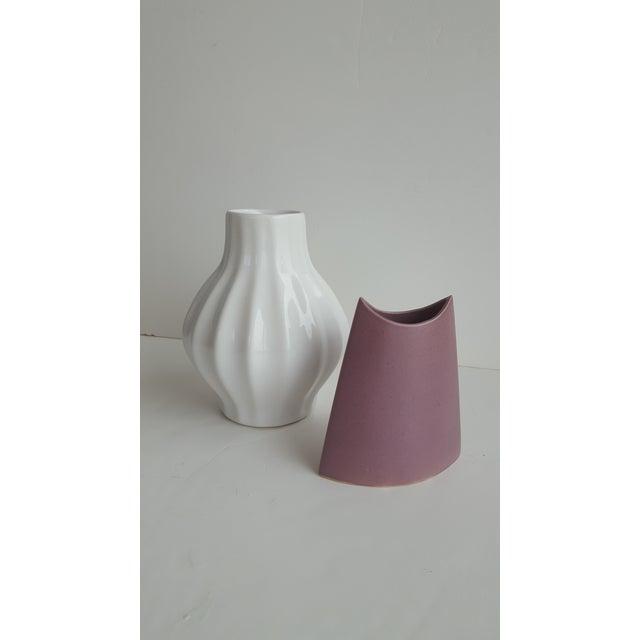 J. Johnston Modernist Mauve Pink Ceramic Pottery Vase For Sale - Image 9 of 11