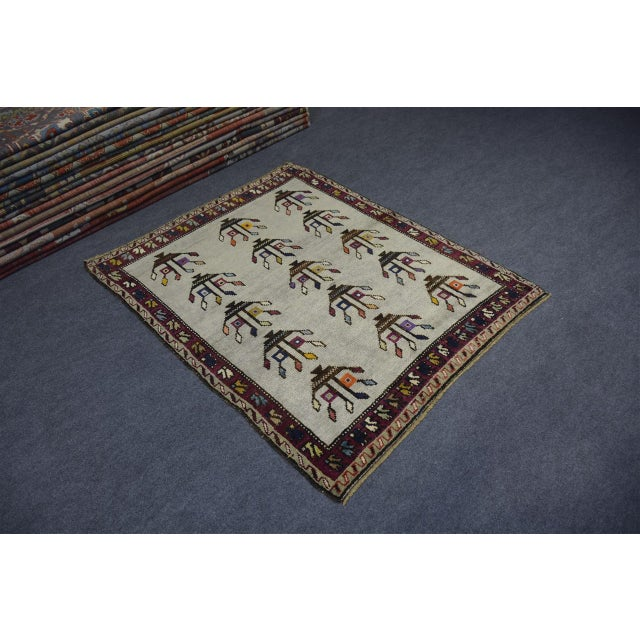 "Abstract Vintage Turkish Anatolian Decorative Rug - ′3'10""x4'6"" For Sale - Image 3 of 10"