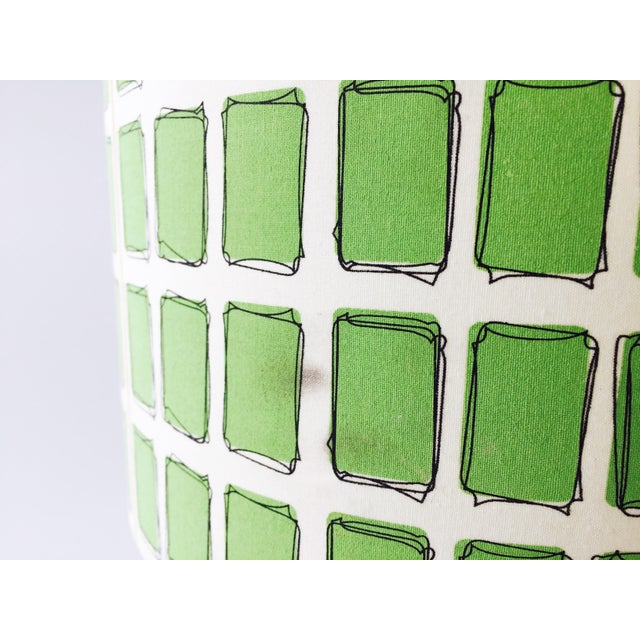 Mid Century Off White Table Lamp & Green Shade - Image 6 of 6