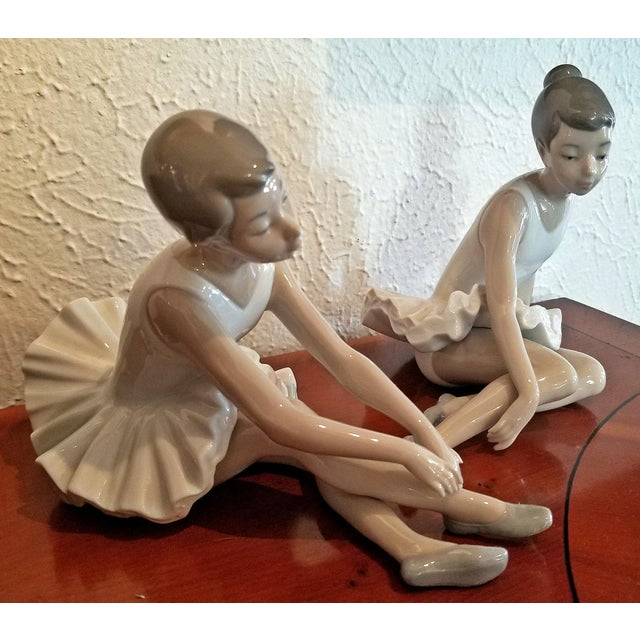 Pair of Spanish Porcelain Ballet Dancers by Nao For Sale In Dallas - Image 6 of 9