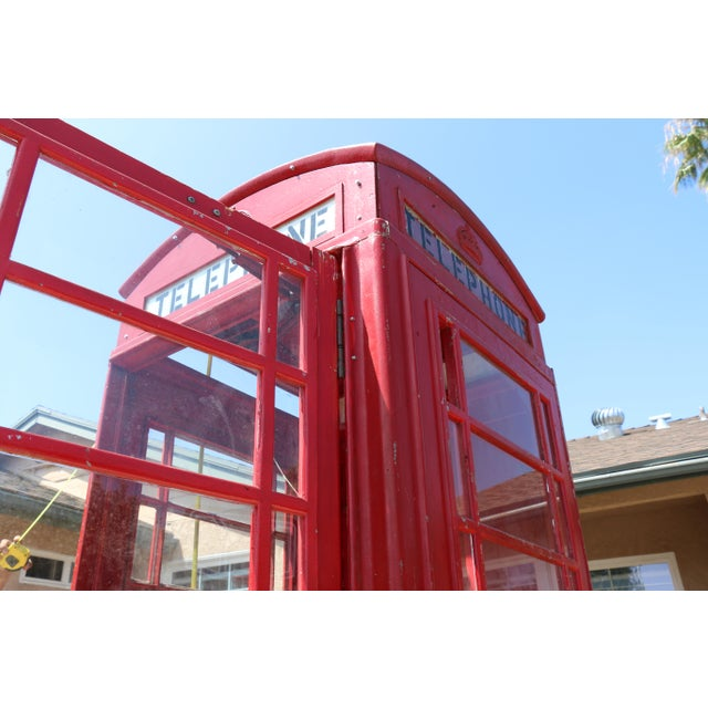 Metal Metal Vintage London Lifesize Telephone Booth For Sale - Image 7 of 13