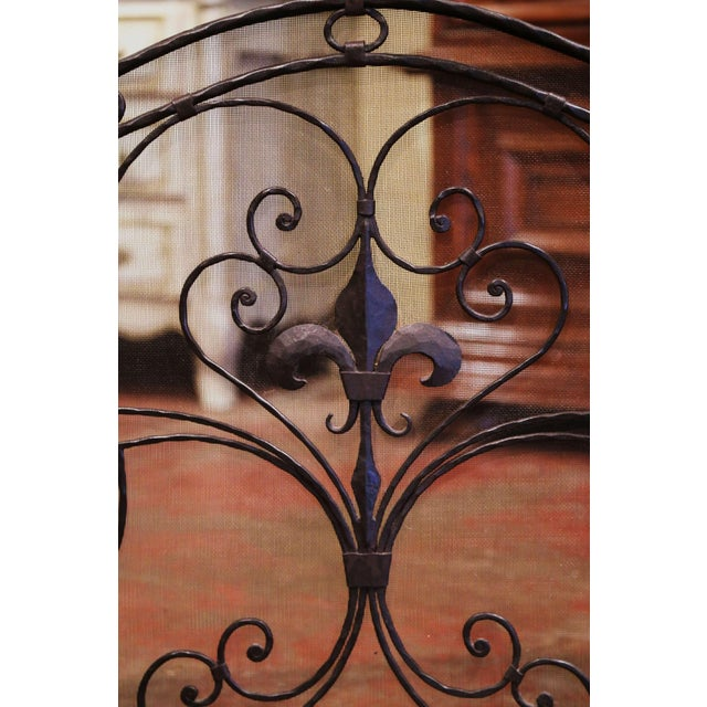 Mid-20th Century French Gothic Wrought Iron Fireplace Screen With Fleur-De-Lis For Sale - Image 4 of 8