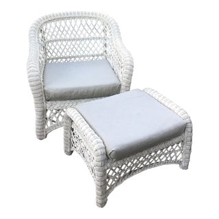 1960s Vintage White Wicker Chair and Ottoman Set For Sale