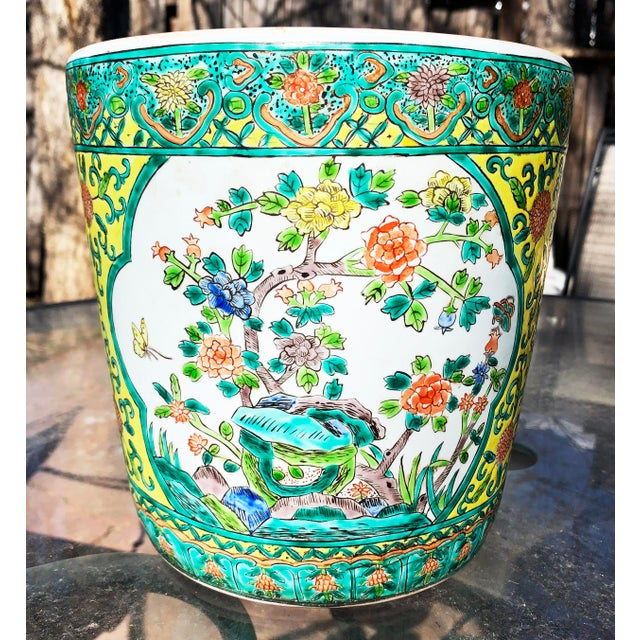 Chinoiserie Yellow Porcelain Pot Accented With Green Foliate and Floral Motifs For Sale - Image 9 of 9