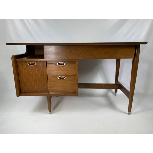 "1950s Mid Century Modern Hooker Furniture ""MainLine"" Writing Desk For Sale - Image 9 of 9"