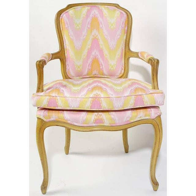 Louis XV Pair of 1940s Louis XV Style Fauteuils in Colorful New Flamestitch Upholstery For Sale - Image 3 of 8